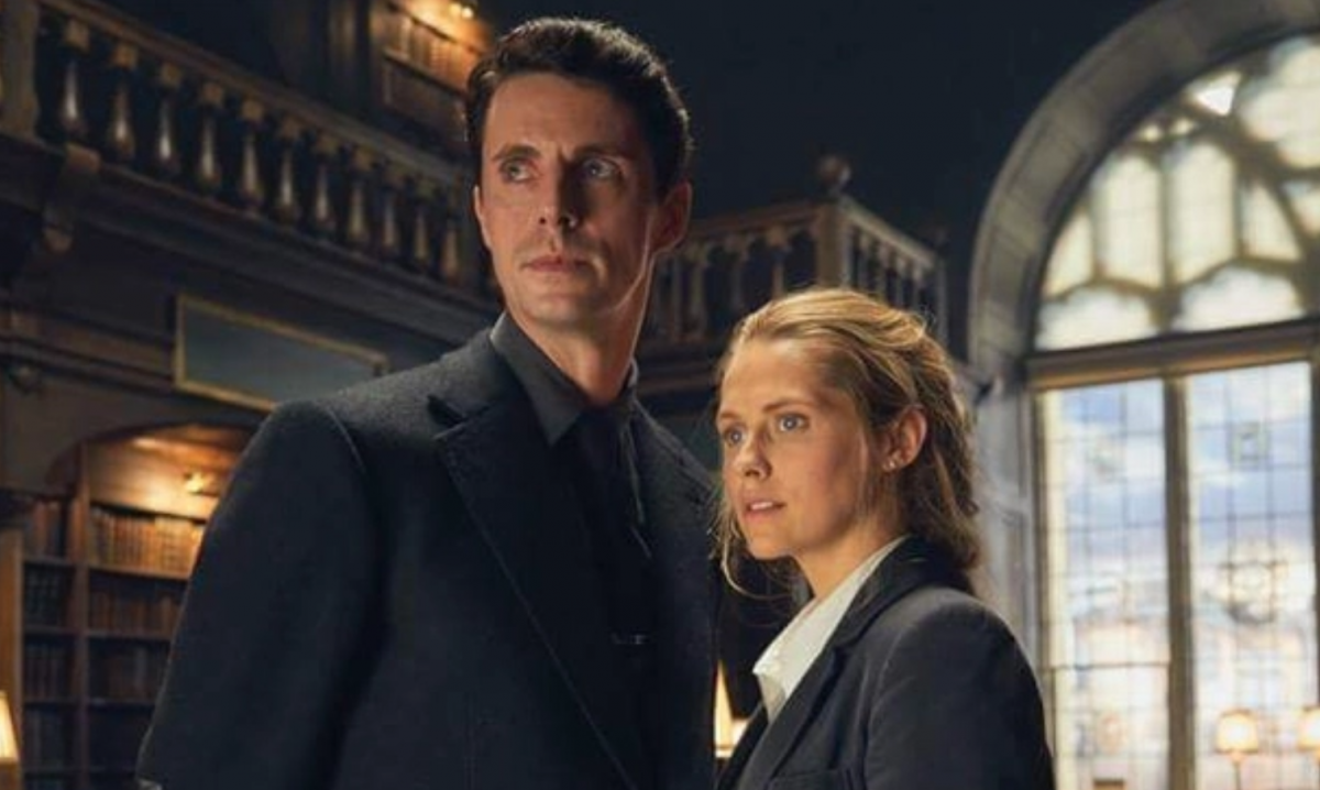 Matthew Goode and Teresa Palmer in A Discovery of Witches