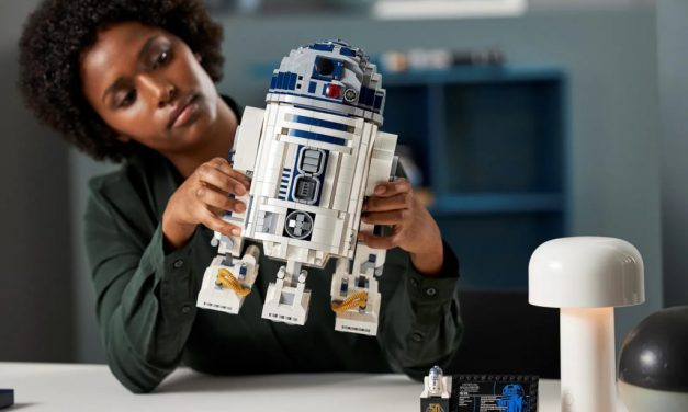Star Wars: LEGO R2-D2 Is Back!